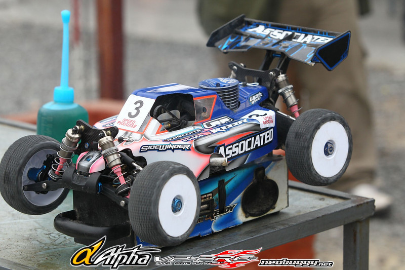 http://gallery.neobuggy.net/2012Races-1/Worlds-Warm-up/Day-3/i-9dJ8KPn/0/L/EUR8171-L.jpg