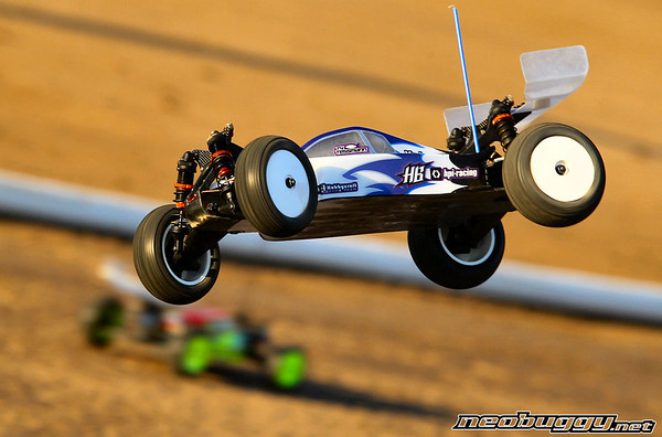 http://gallery.neobuggy.net/2013Races/2013-110th-ROAR-Nationals/Wednesday-Practice/i-9BwwqR9/0/M/AT4_4800-M.jpg